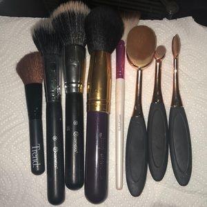 8 Makeup brushes bundle